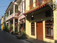 Soi Romanee is a charming little Sino-Portuguese side street off Thalang Road
